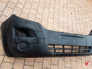 Opel Movano Бампер передний HG81220553