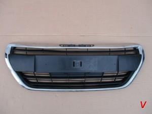 Peugeot 208 Решетка радиатора HG74331783
