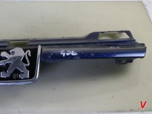 Peugeot 406 Решетка радиатора HF88489112