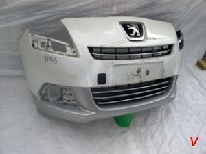 Peugeot 5008 Бампер передний HG76344749