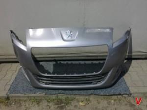 Peugeot 5008 Бампер передний HG81819681