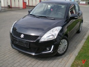 Suzuki Swift Двери передние HG83295044