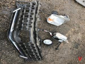 Toyota Prius Решетка радиатора HG77722754