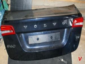 Volvo S60 Крышка багажника HG70803396