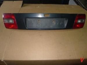 Volvo V40 Крышка багажника HG77417449