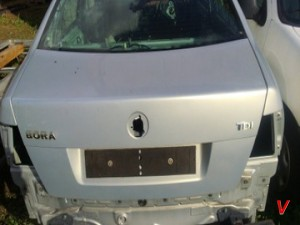 VW Bora Крышка багажника HG77167391