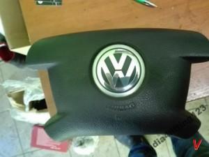 VW Caddy Подушка руля HG67656466