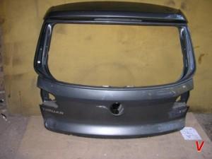 VW Tiguan Крышка багажника HG75127125