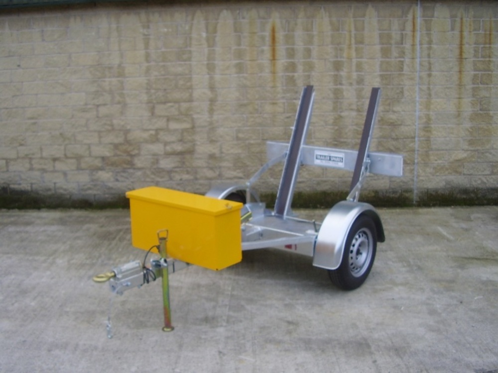 Single drum roller trailer