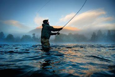 1859_Oregon-Postcard_January-February-2016_Arian-Stevens_Deschutes-River-Oregon_630x400