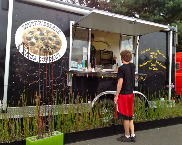 1859-summer-2012-portland-oregon-food-cartographer-southwestern-pizza-company-cart