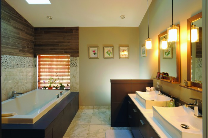 2012-Spring-Central-Oregon-Home-And-Design-Bend-Remodel-Interior-Design-whole-bathroom-tub-sinks