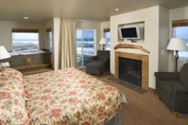 Overleaf-Lodge-coast-lodging-oregon-spa-pool-gym