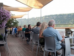 riverside-restaurant-columbia-gorge-mt-hood-oregon