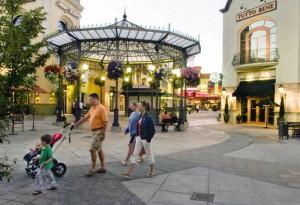 things-to-do-shopping-oregon-portland-bridgeport-village-plaza