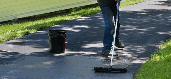 Asphalt driveway sealing Evergreen CO