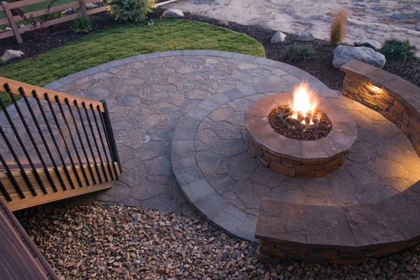 Do it yourself firepit winter is a great time to celebrate with friends and family and curling up around a firepit is the perfect group friendly activity these cozy outdoor solutioingenieria Images