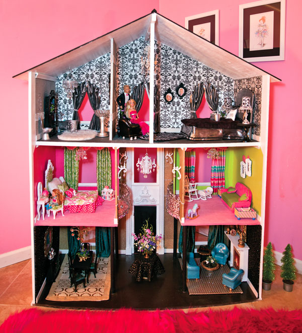 A Room Full Of Doll Houses