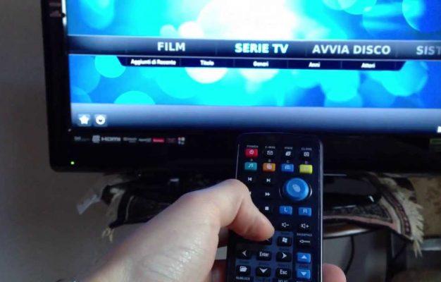 telecomando e tv