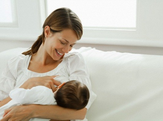mamma-che-allatta allattamento