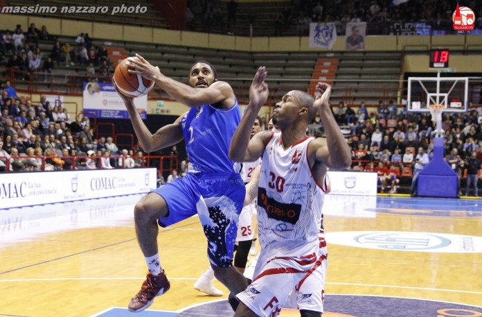 Smith Terrel Adam Unieuro Forlì Roseto Sharks basket