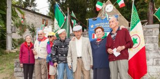 Monumento Strabatenza con Partigiani