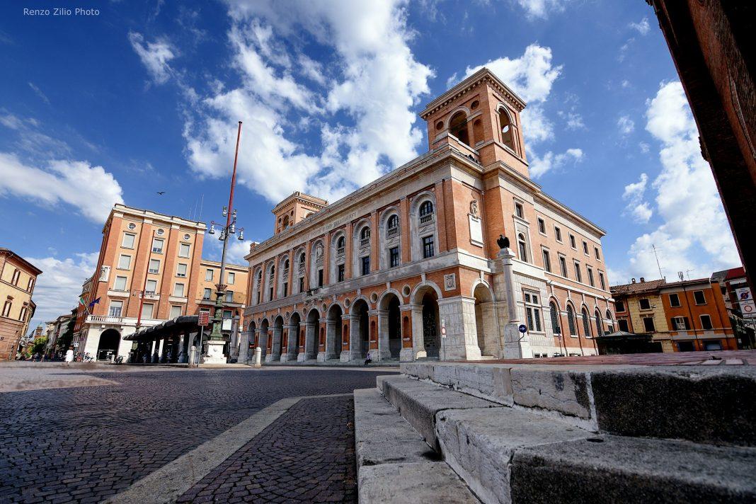Piazza-Saffi foto di Renzo Zilio