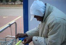 profughi mendicanti supermercati