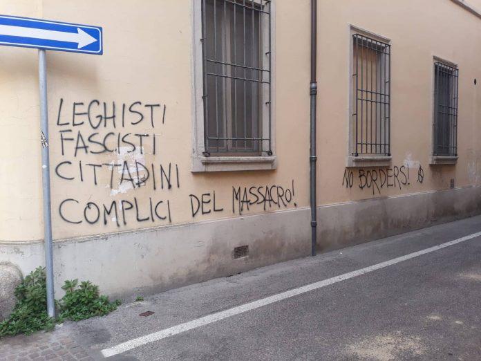 scritte sui muri contro la lega