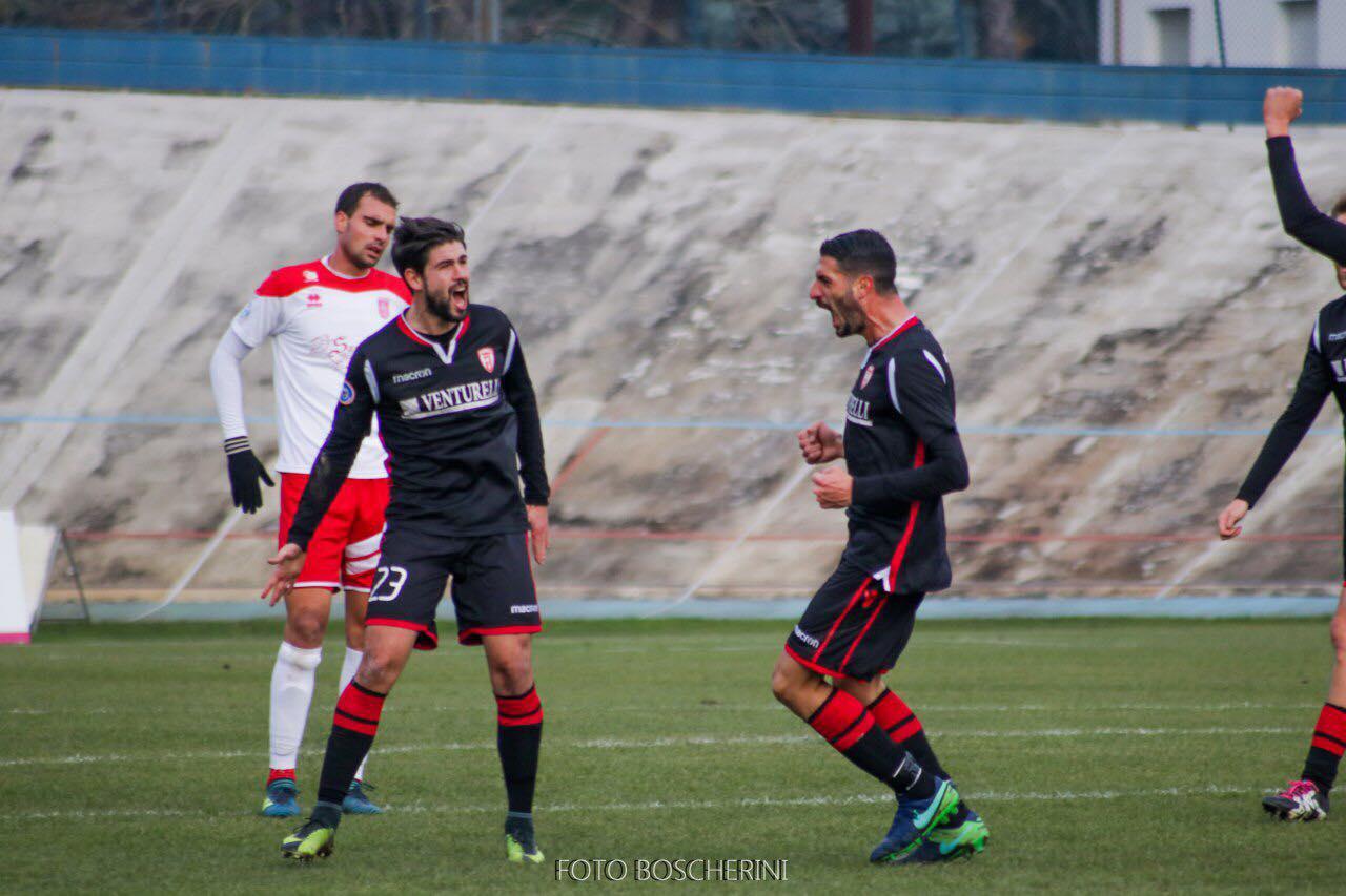 Forlì Calcio-esultanza-Del-Sante