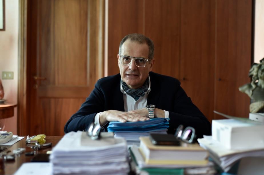 Fabrizio Ragni in ufficio