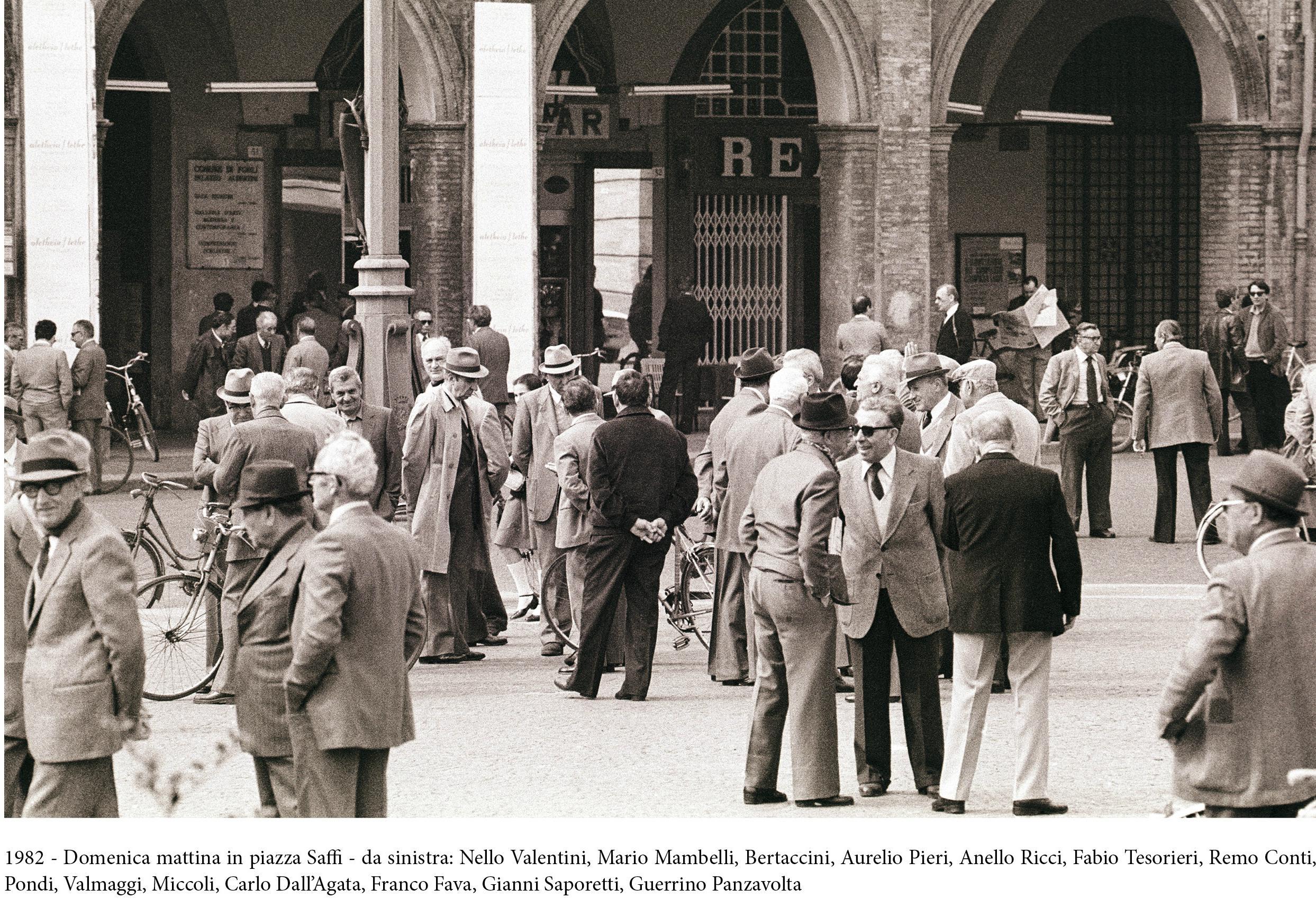 Forlì-del-1982-Piazza-Saffi