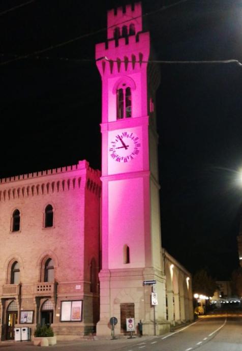 campanile-rosa-a-Santa-Sofia