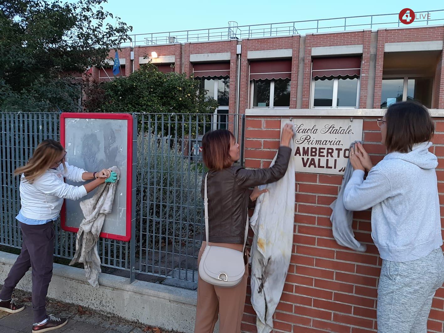Scritte-naziste-scuola-Forlì