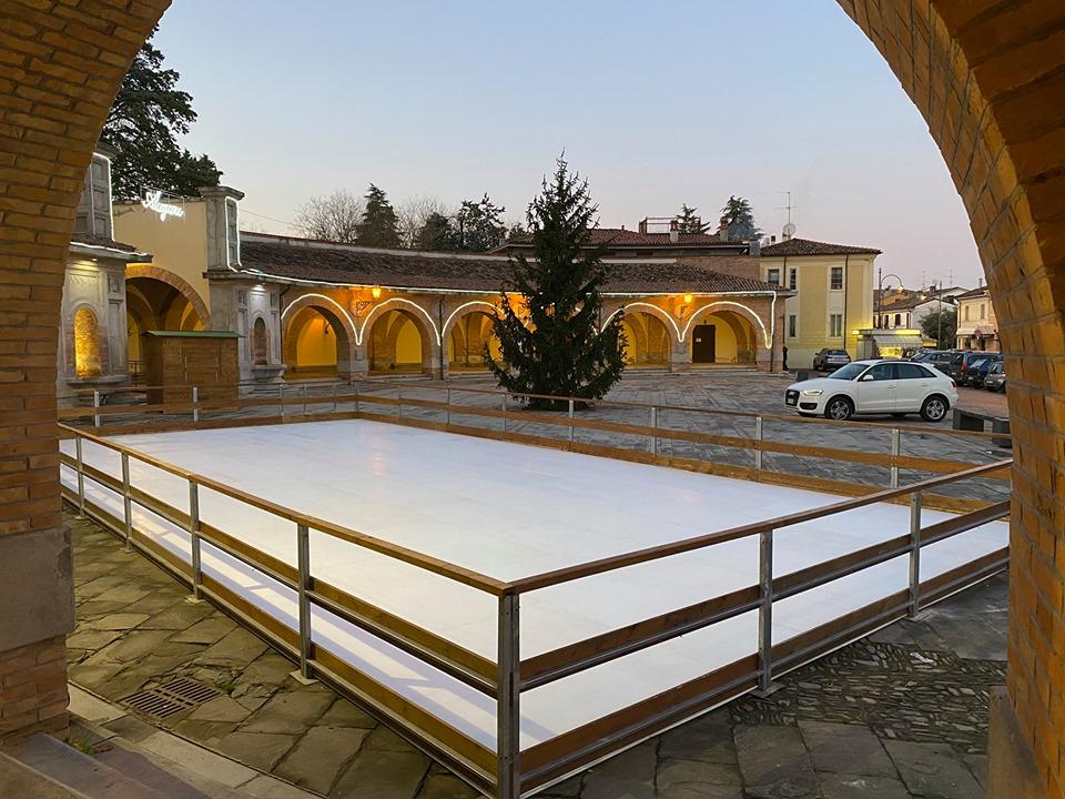 Pista pattinaggio sul ghiaccio a Predappio -foto-di-Lorenzo-Lotti
