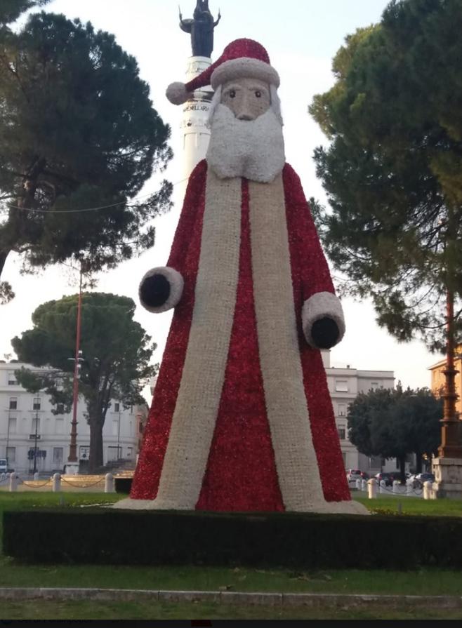 Babbo-Natale-in-piazzale-della-Vittoria