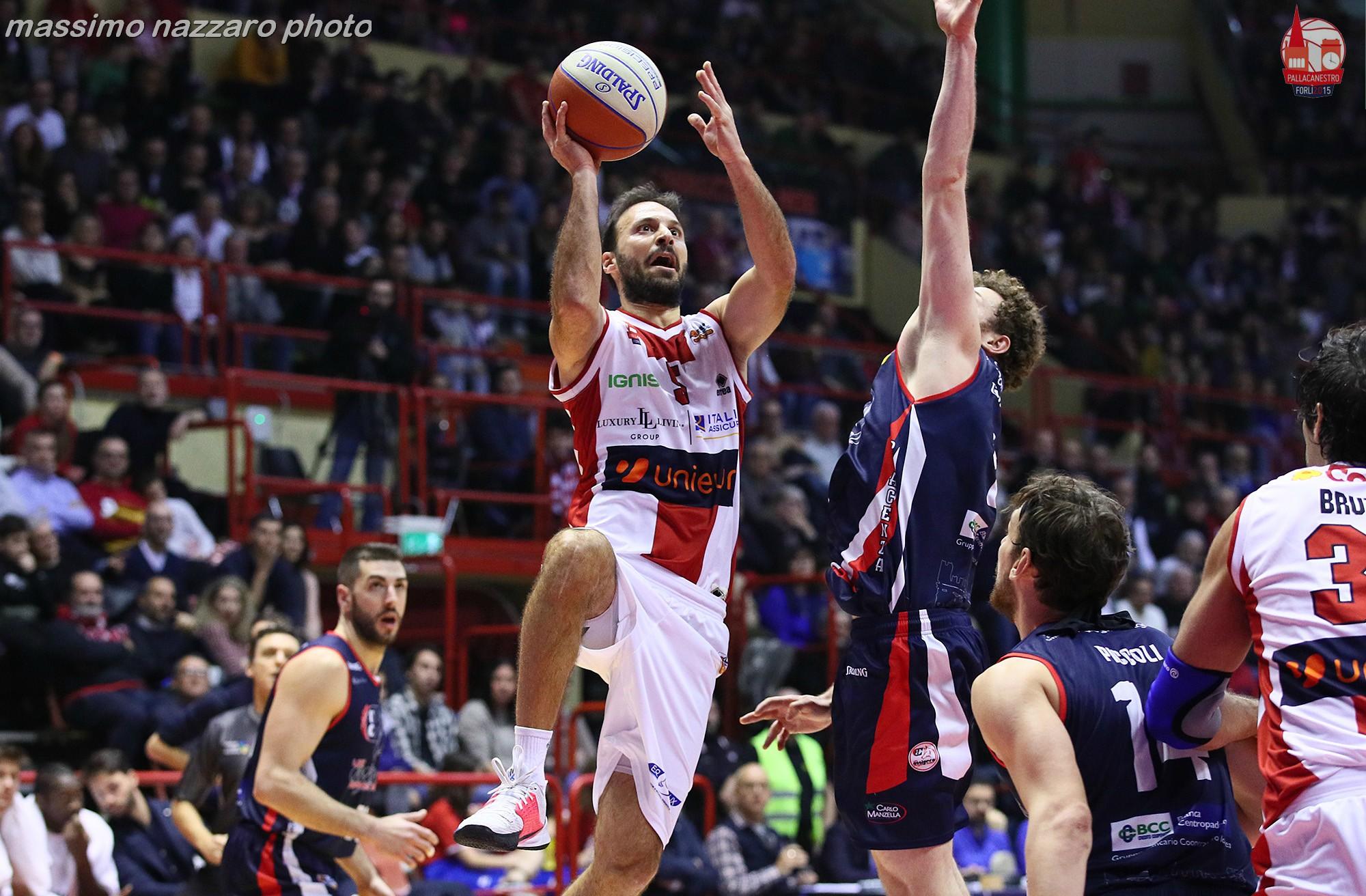 Basket-Forlì-Piacenza-Giachetti
