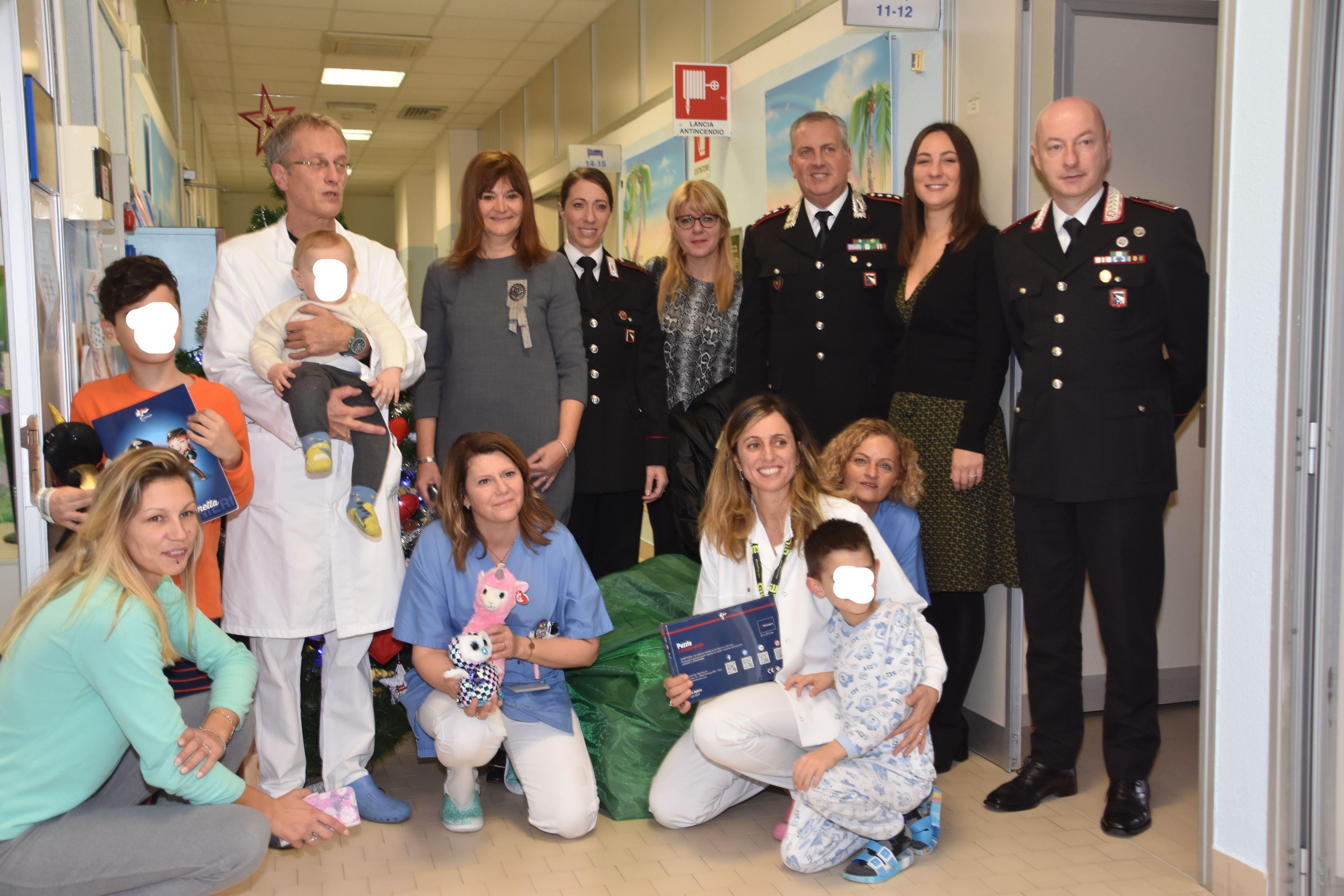 Carabinieri-in-Pediatria