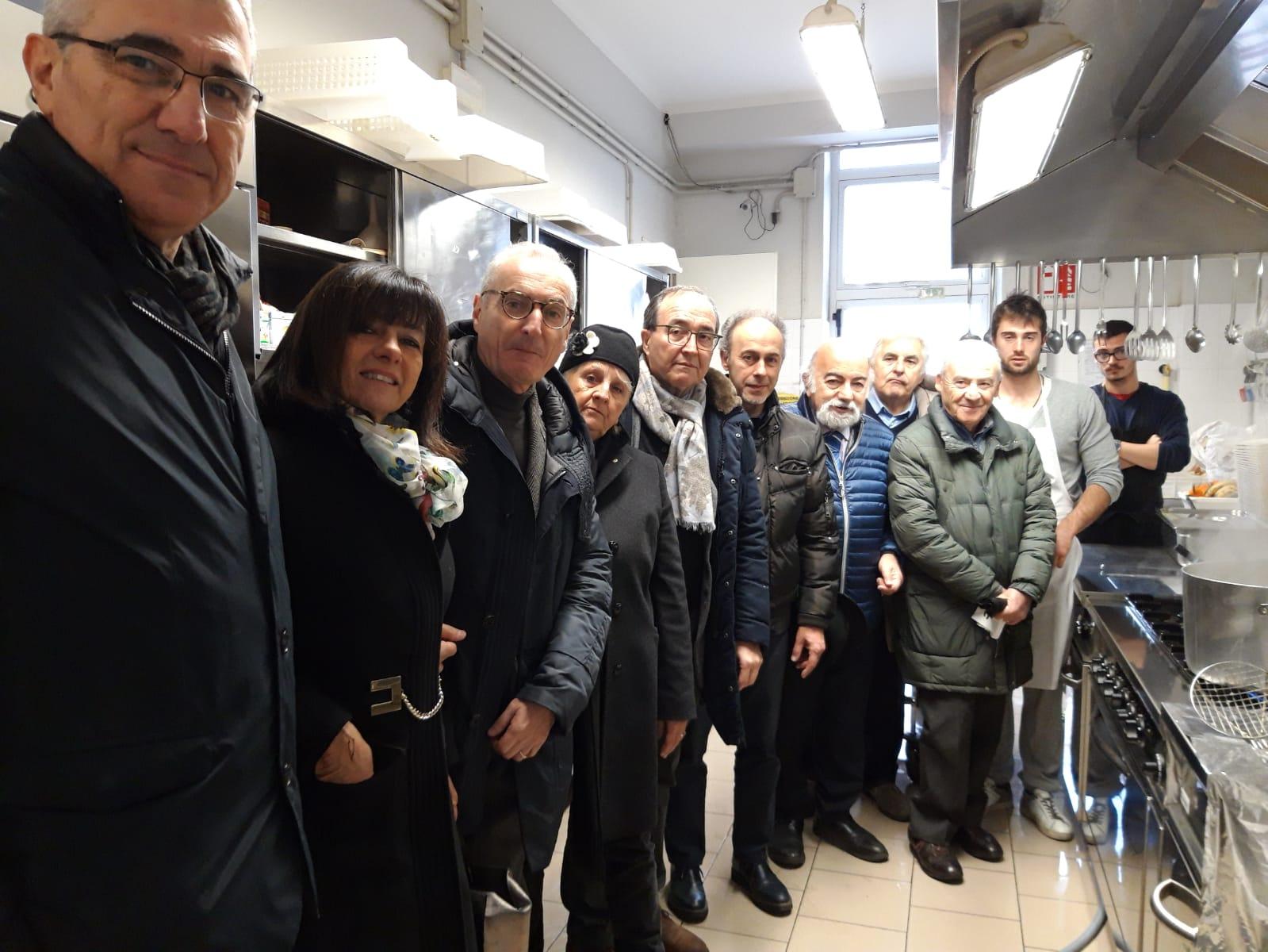 Lions Club Forlì Host dona le nuove attrezzature alla mensa di Santa Maria del Fiore