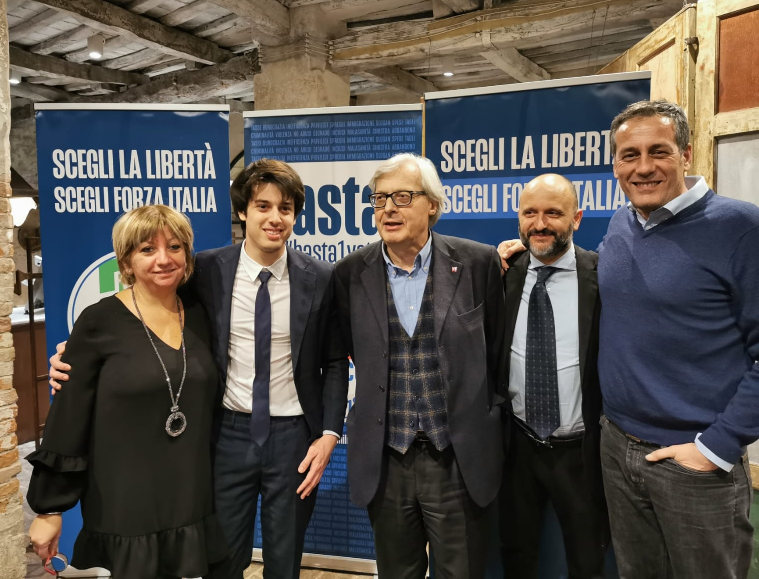 Vittorio Sgarbi presenta candidati Forza Italia