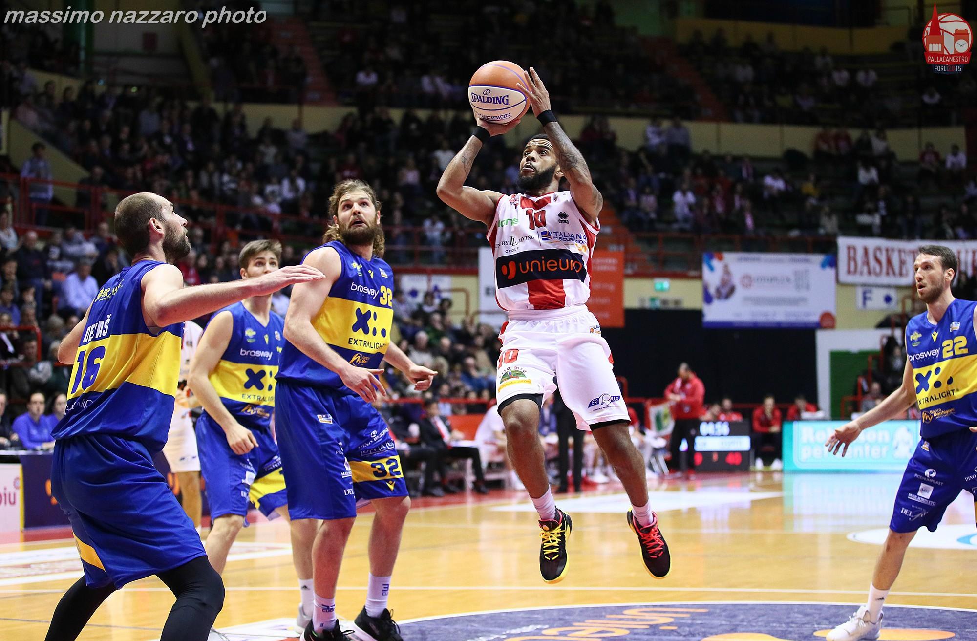 Basket-Forlì-Montegranaro