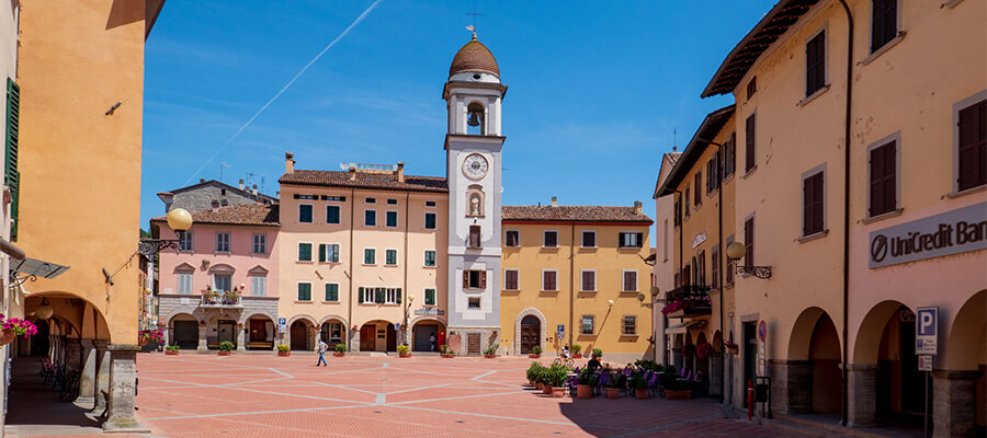 Piazza-di-Rocca-San-Casciano