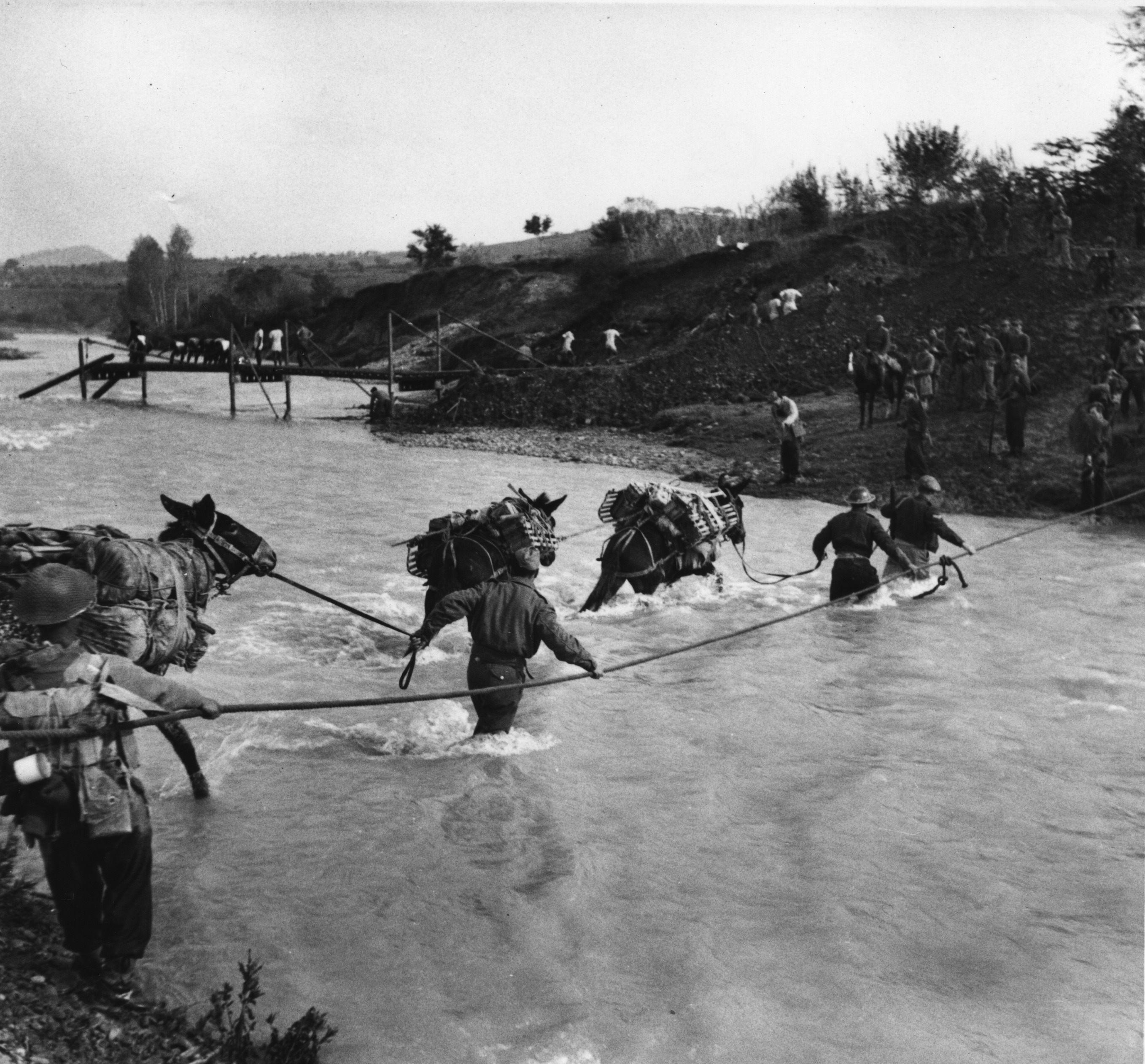 Attraversamento-fiume-Ronco-nella-Seconda-Guerra-Mondiale