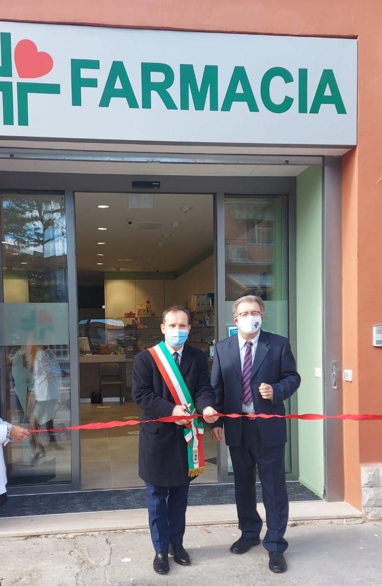 Nuova-Farmacia-a-San-Colombano