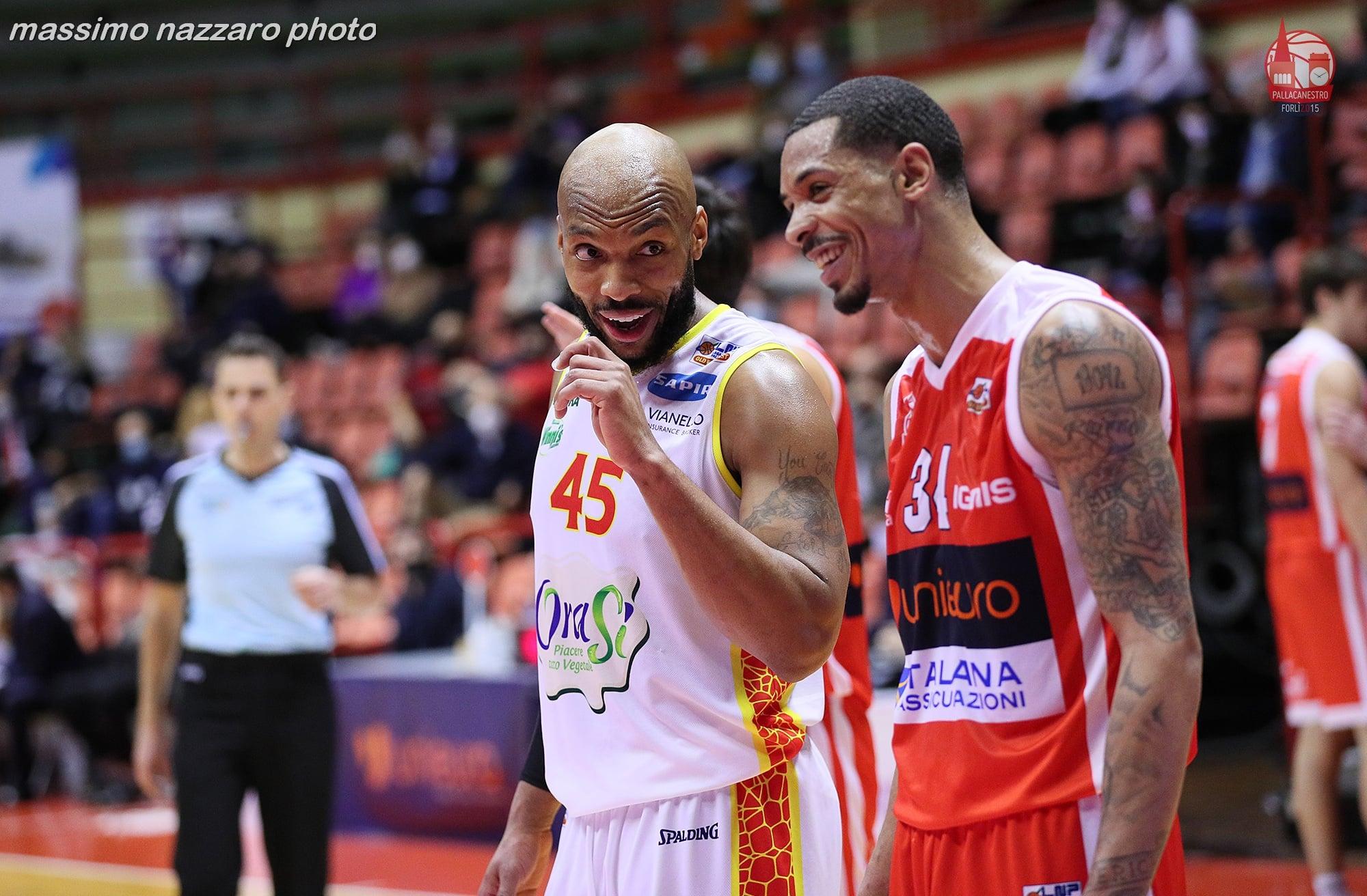 Basket-Terrence-Roderick-Unieuro-Forlì-Ravenna