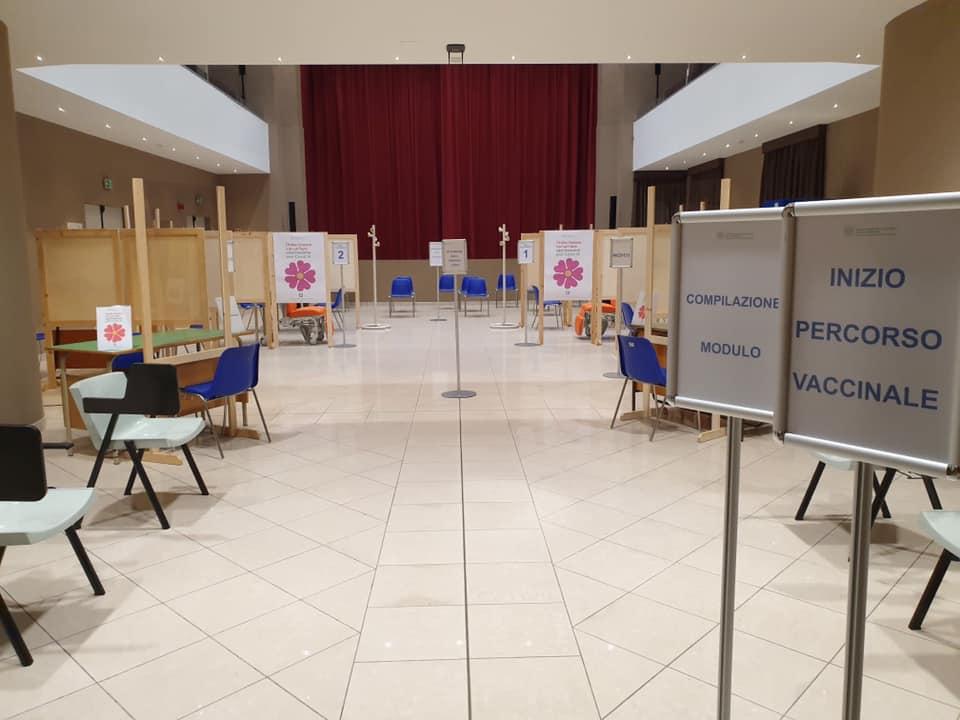 Punto-vaccini-teatro-Italia-Rocca-San-Casciano