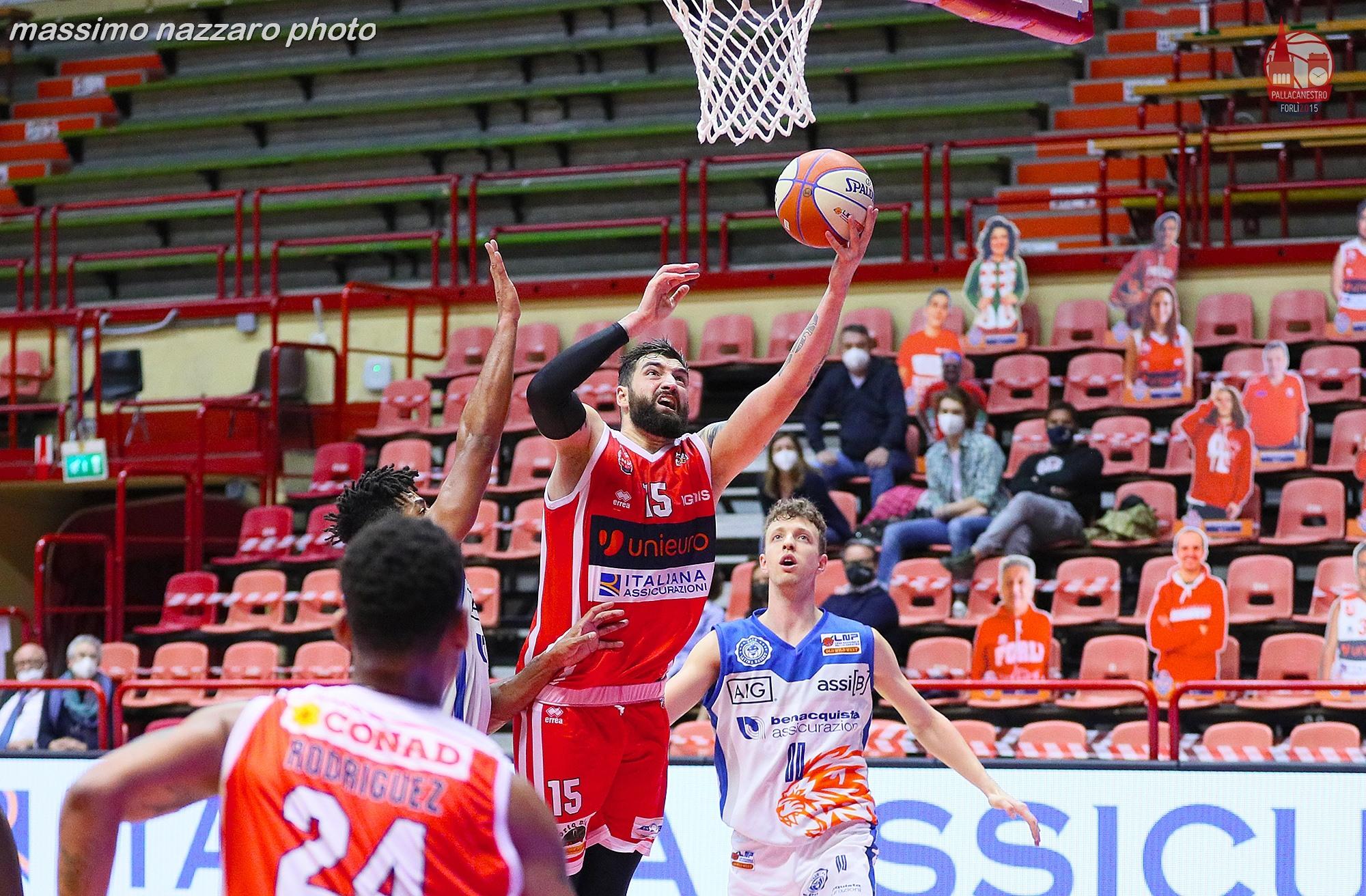 Basket-Forlì-Latina