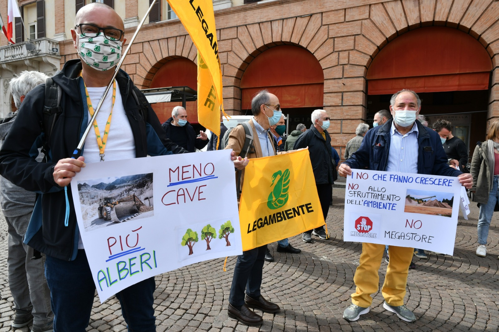 protesta apertura Cava a Magliano