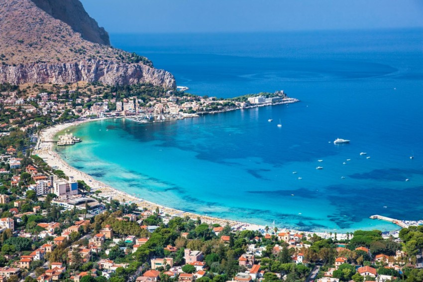 mondello sicilia