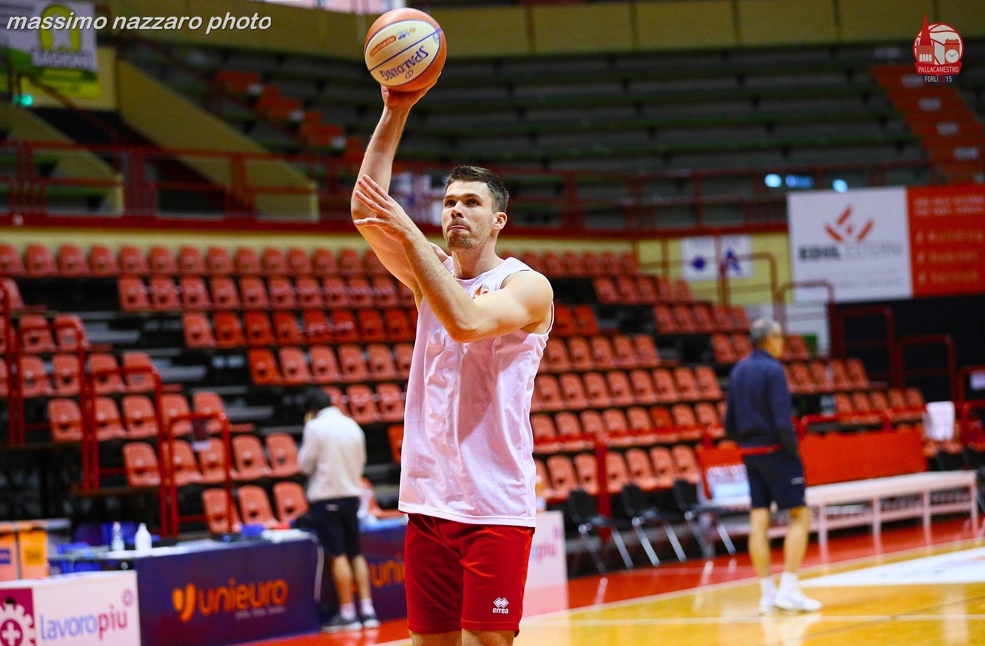 Basket Ivica Radic